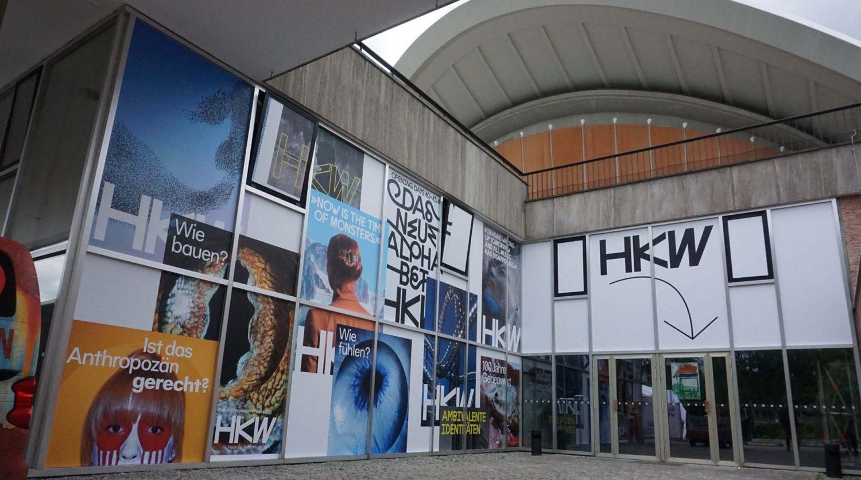Fensterbeklebung am HKW Berlin